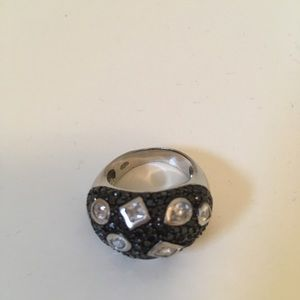 Jewelry - Silver crystal ring. Size 7